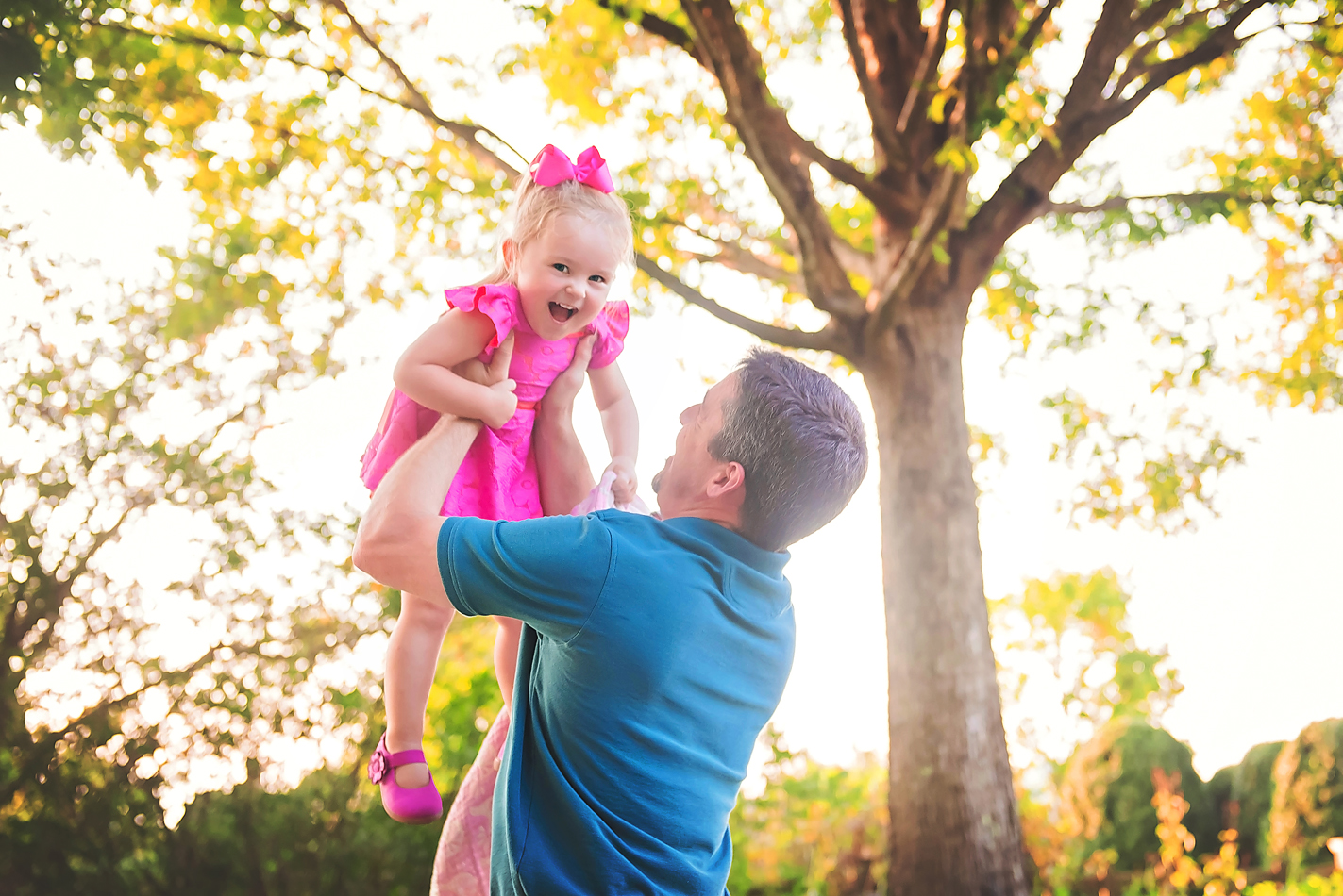 girl-with-dad-candid-portrait