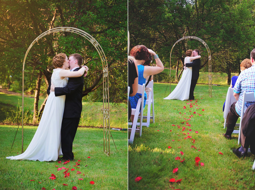 first-kiss-outdoor-wedding
